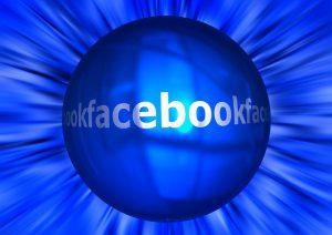 fb 300x212 - Facebook opdaterer sin europæiske privatlivspolitik